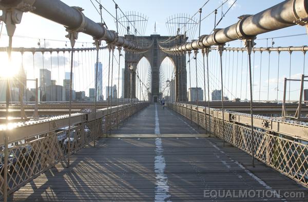 sunny-brooklyn-bridge-02