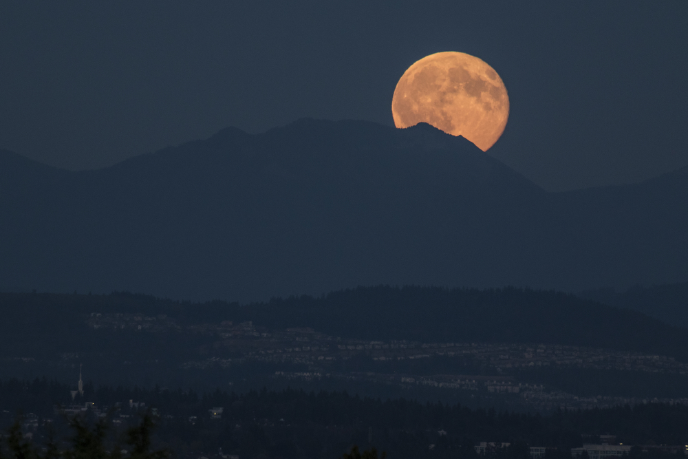 500px Photo ID: 116829731 - The view of the Blue Moon rising over the foothills. This photo was captured on a rooftop in Capitol Hill, Seattle.