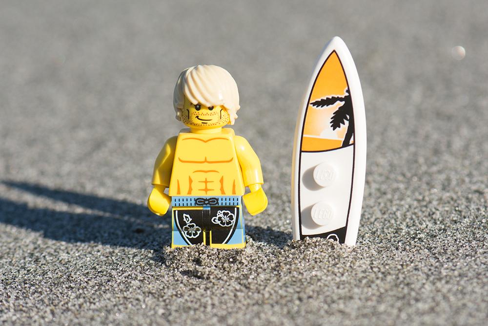 fb-macro-monday-surfs-up