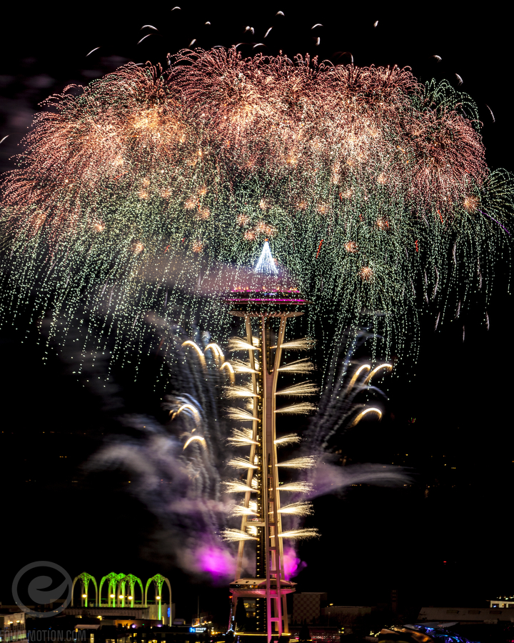 500px-new-years-space-needle-04
