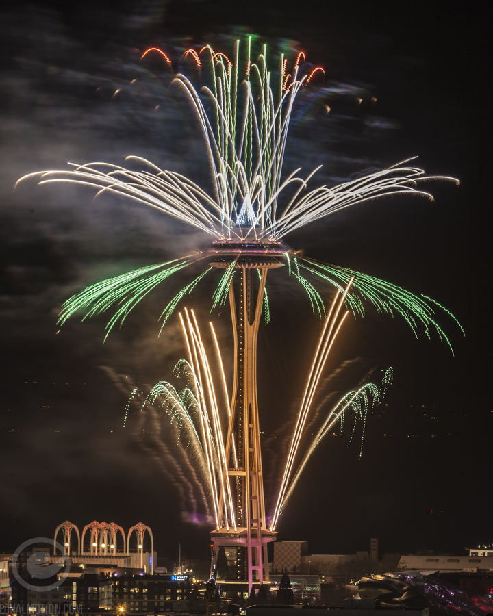 New Years In Seattle Space Needle Fireworks Show Photos