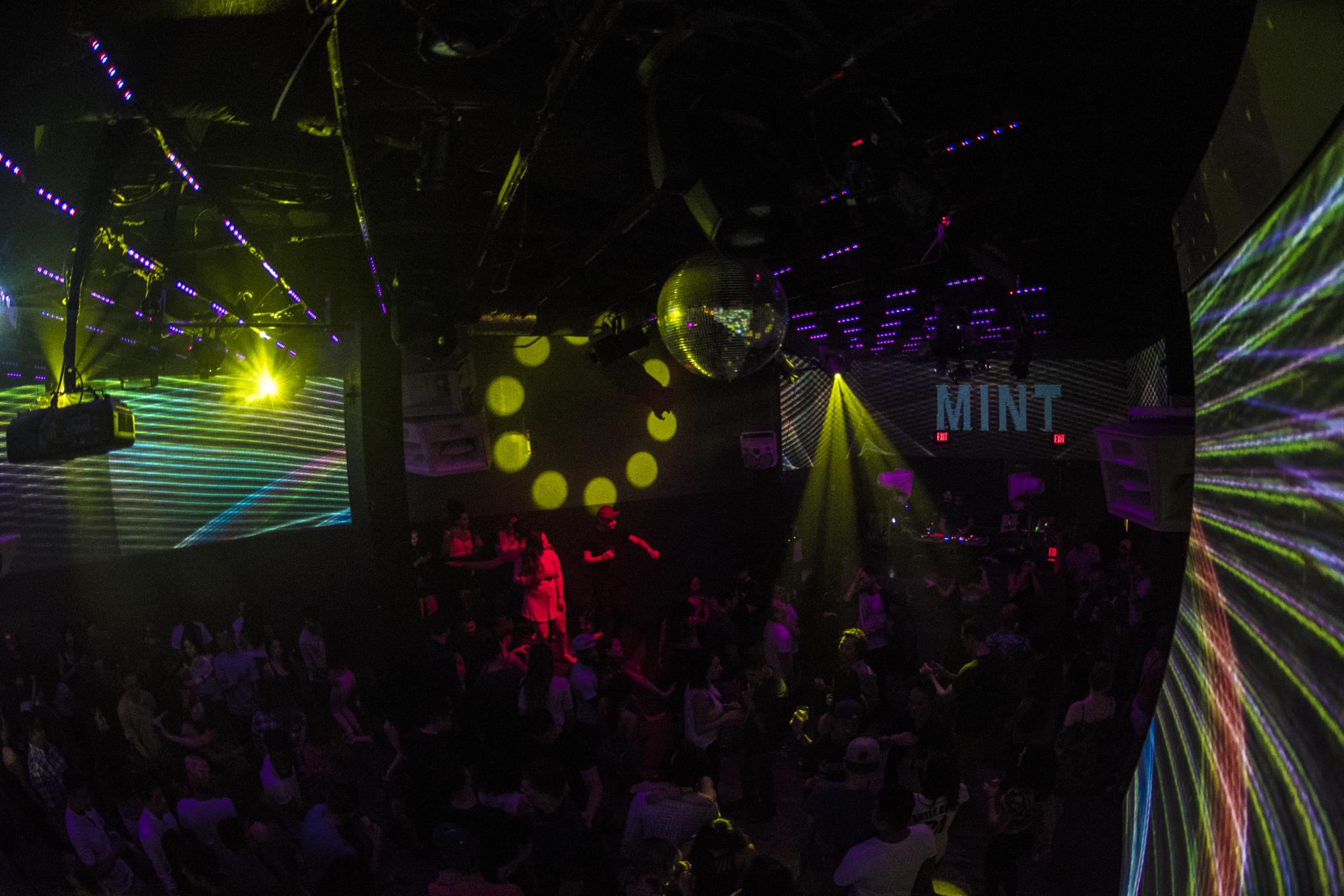 q-night-club-008